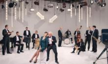 "Pink Martini lansează videoclipul ""Hey Eugene (Watch Your Back)"""