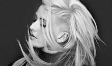 """Ellie Goulding a primit triplu disc de platina pentru vanzarile albumului """"Halcyon"""" in Romania"""