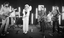 "LIGIA LANSEAZA VARIANTA LIVE A PIESEI ""CEALALTA EA"""