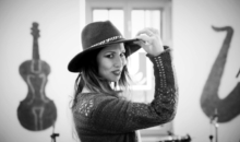 """Cristina Balan lanseaza propria versiune pentru hitul """"Issues"""""""