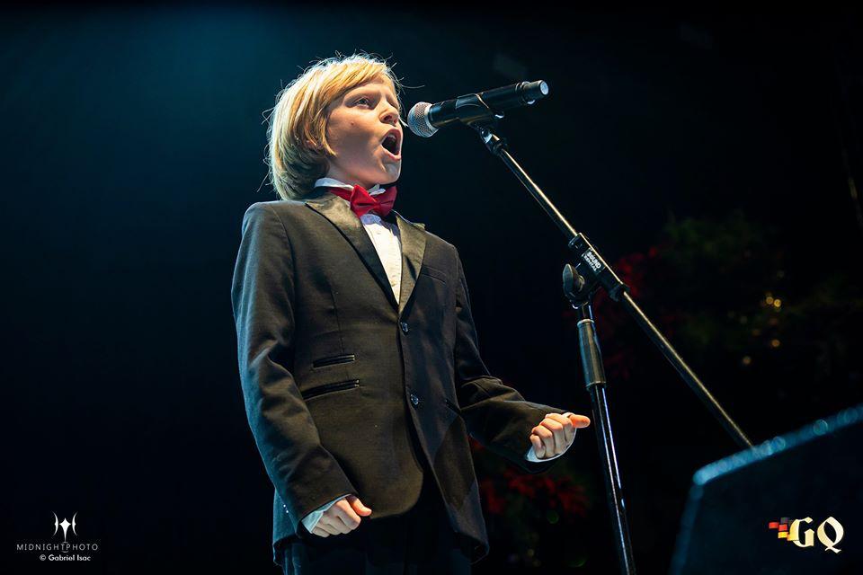 Oliver Frankel, baietelul cu voce de aur, va pleca intr-un turneu in Japonia