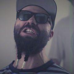 "Casa Neagra lanseaza clipul piesei ""Orfelinat"""