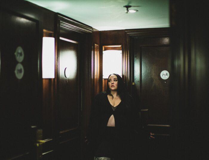 Lauren Haze lanseaza un nou single – Hotel
