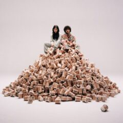 "benny blanco și Gracie Abrams lansează single-ul ""Unlearn"""