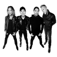 "Metallica va lansa varianta remasterizata a albumului ""The Metallica Blacklist"""